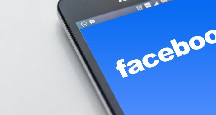 Facebook, politika, oglašavanje