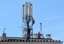 Agencija za komunikacijske mreže i usluge, AKOS, dodjela radijskih frekvencija, RADIO KRANJ, RADIO CENTAR, RADIO OGNJIŠČE